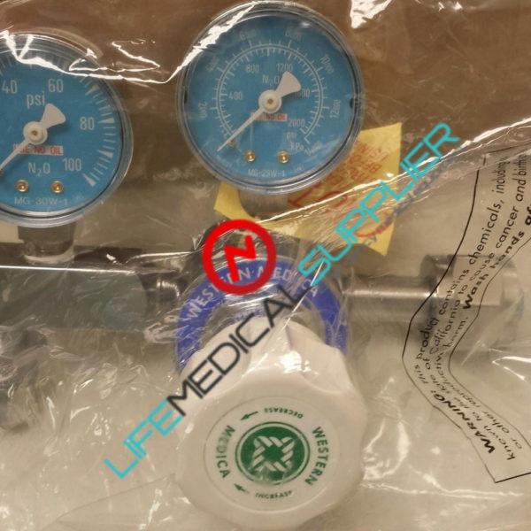 Nitrous Oxide single stage adj. regulator M1-326-PG-0